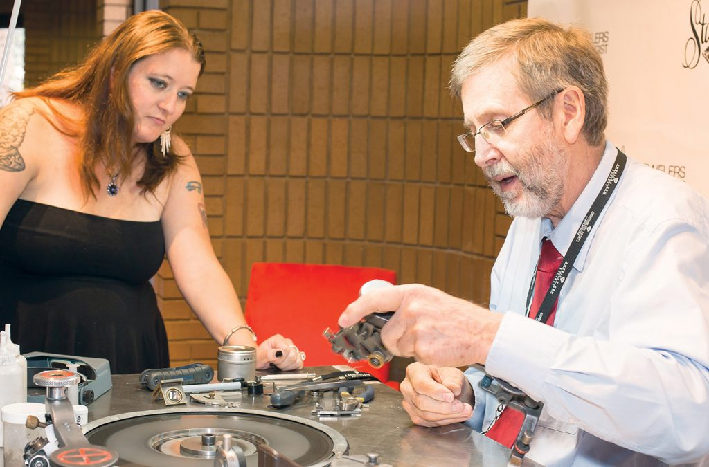 Oskarson and Botha during the cutting process at Stanley Jewelers