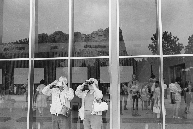 Lee Friedlander, Mount Rushmore, South Dakota, 1969 © Lee Friedlander, courtesy Fraenkel Gallery, San Francisco