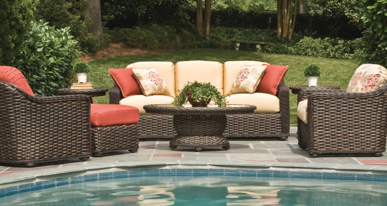 ATYH: Lovely Outdoor Living