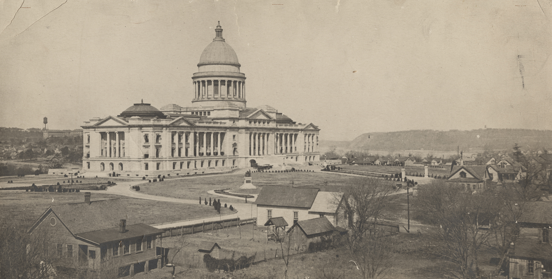 Arkansas State Capitol, near completion in 1914.