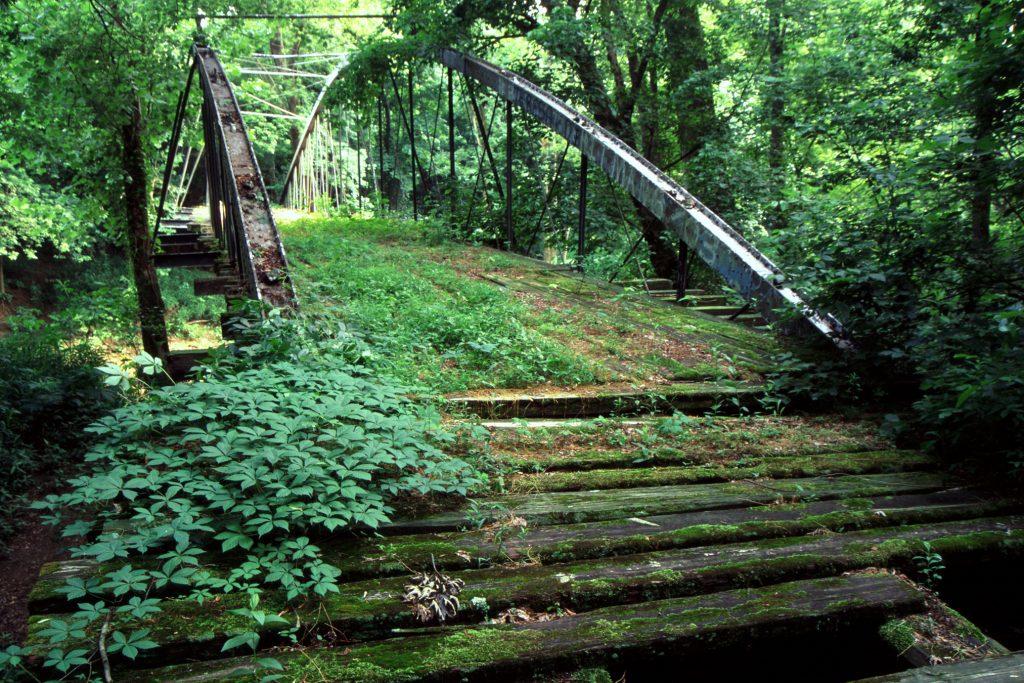 The Springfield-Des Arc Bridge