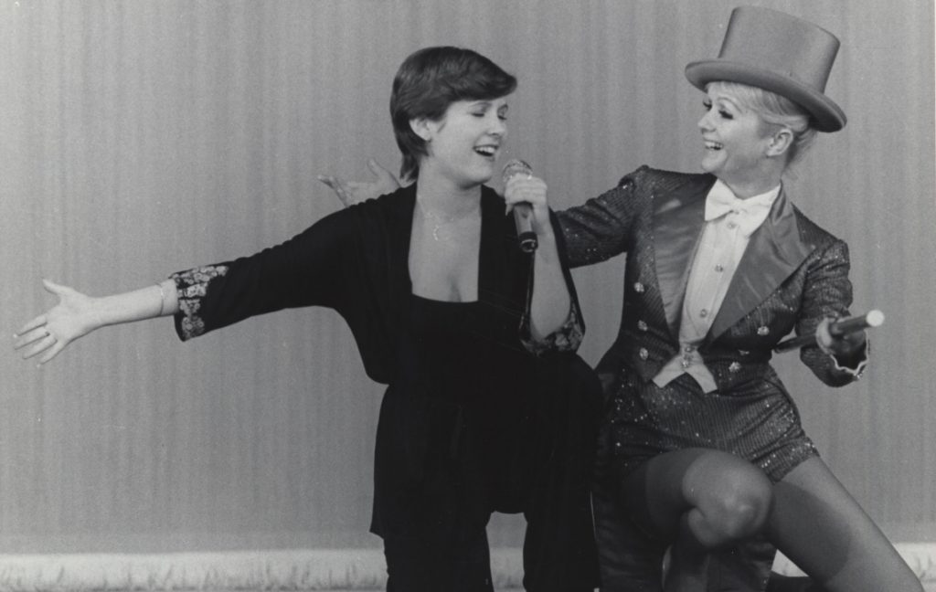 Bright Lights: Starring Carrie Fisher and Debbie Reynolds provides a touching look at the mother daughter relationship on and off camera of the stars of different eras.