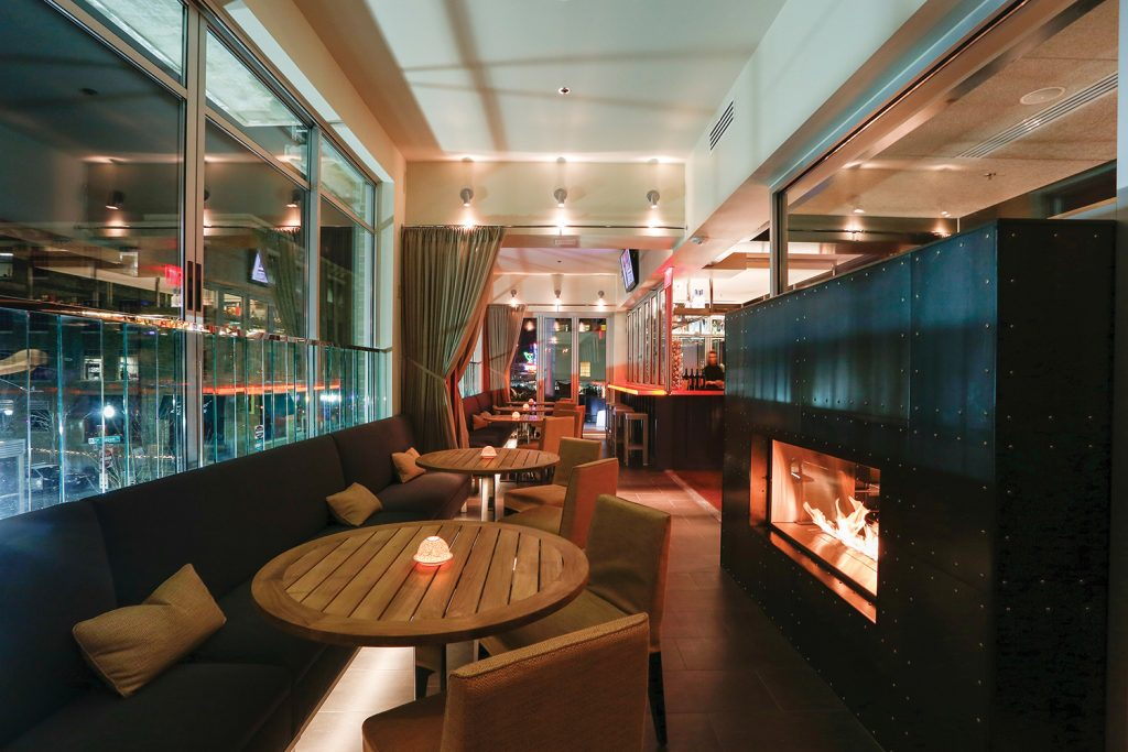 Cache was designed by the world-renowned The Johnson Studio based in Atlanta. The firm has designed spas, hotels and restaurants across the United States and internationally and specializes in modern interiors featuring metal, glass and woodwork.