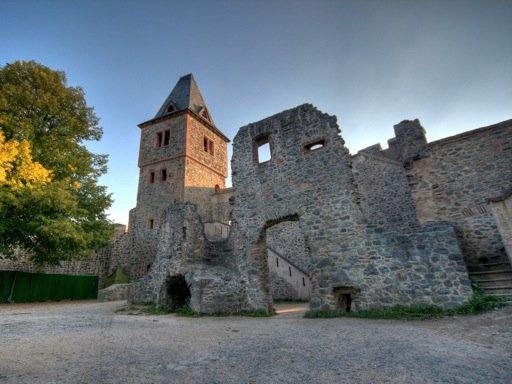 xfrankenstein_castle_broad-jpg-pagespeed-ic-oc-tf5oglk